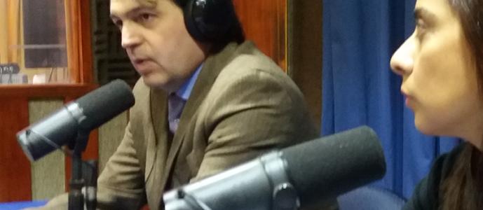 , Dr. Torres junto al abogado Gonzalo González hablando sobre bullying escolar