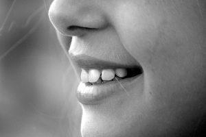 La Bichectomía es una cirugía que permite estilizar y perfilar la cara, en conjunto con la liposucción de Papada complementa la armonizar facial.