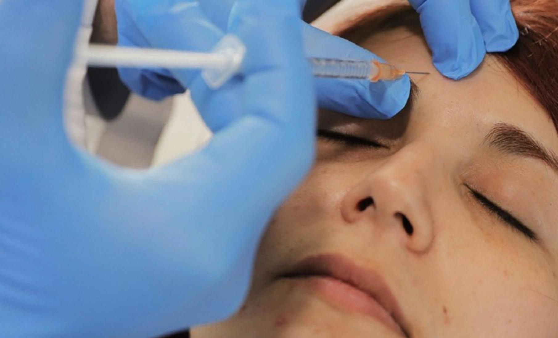 Técnicas poco invasivas para hacerse una manito de gato en el rostro, Dr. Esteban Torres